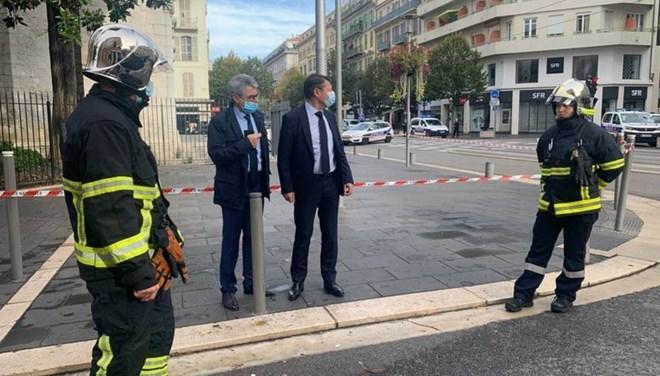 Fransa'da bıçaklı saldırı… 3 ölü var…