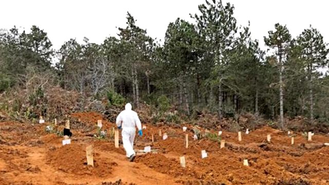 'Korona ölümleri gizleniyor mu' iddiasına mezarlık kayıtlarındaki rakamlar son noktayı koydu