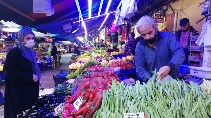 Bursa'da pazarın ateşi yükseliyor