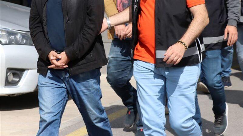 Meslekten ihraç edilen komiserler Yunanistan'a kaçarken yakalandı