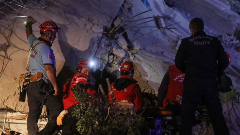 İzmir'deki depremle ilgili skandal paylaşım: 3 kişi gözaltında