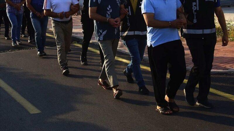 İzmir'de DEAŞ operasyonu: 7 gözaltı
