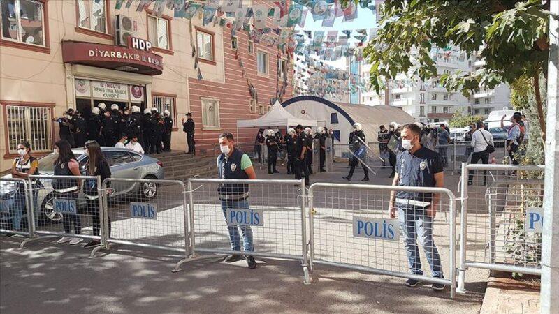 HDP Diyarbakır il eş başkanları gözaltına alındı