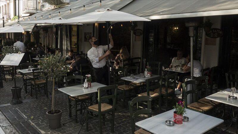Yunanistan'da Kovid-19 önlemleri sıkılaştırılıyor
