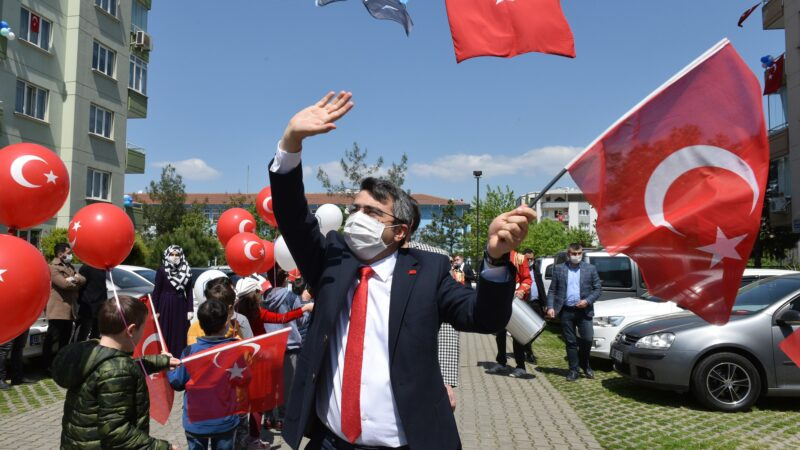Yıldırım Belediye Başkanı Oktay Yılmaz 29 Ekim Cumhuriyet Bayramı'nı kutladı