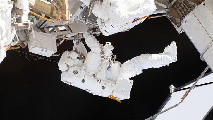Uluslararası Uzay İstasyonu'ndaki Rus kozmonotlar uzay yürüyüşüne çıktı