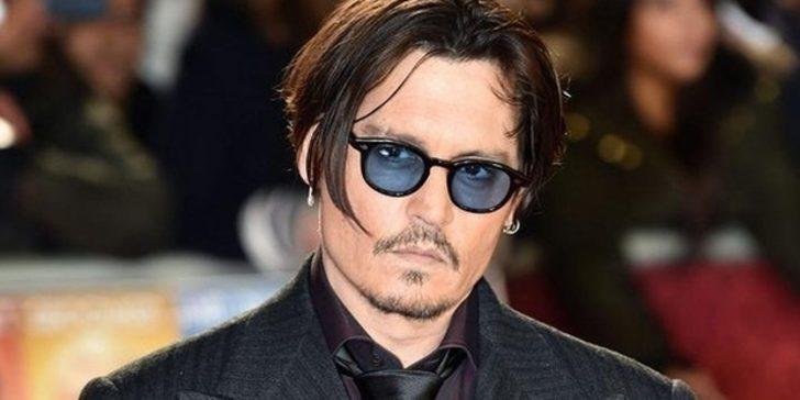 Johnny Depp parmaklıklar ardından paylaştı