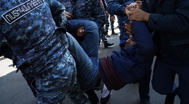 Ermenistan'da Karabağ protestoları: Çok sayıda gözaltı var