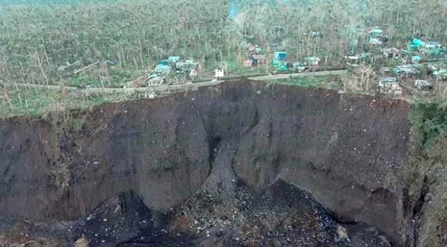 Filipinler'i vuran Tayfun heyelanı beraberinde getirdi