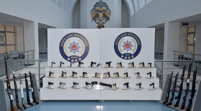 Adana'da bir haftada ruhsatsız 66 silah ele geçirildi