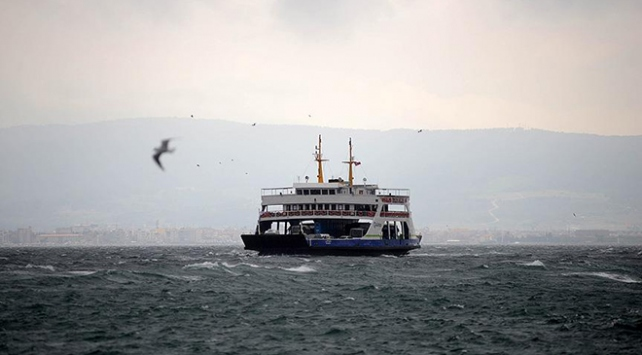 Kuzey Ege'de feribot seferleri iptal oldu
