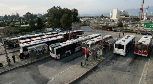 İzmir'de toplu ulaşım sefer saatleri yeniden düzenlendi