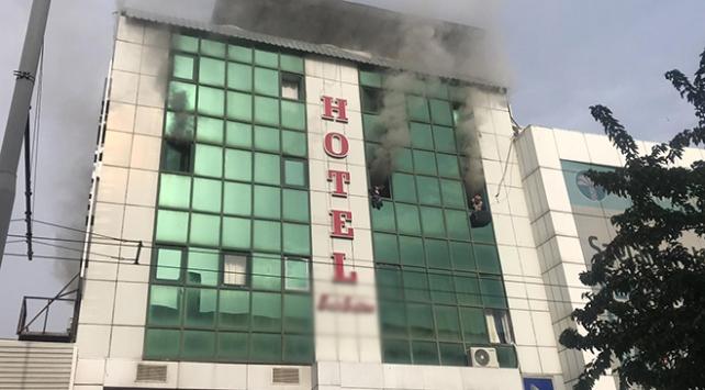 Otelde yangın paniği