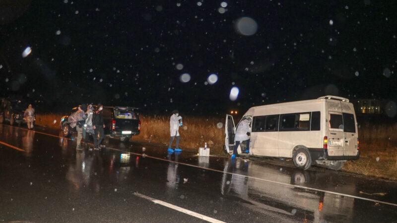 Minibüs otobüse çarptı: Ölü ve yaralılar var