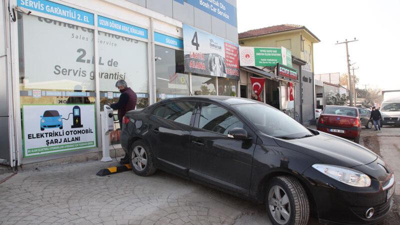 Elektrikli araçların şarjı Tomurcuk Otomotiv'den