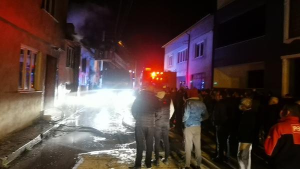 Bursa'da mahalleliyi ayağa kaldıran yangın! Film gibi izlediler
