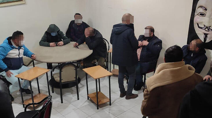 Kıraathaneye baskın! 17 kişiye 9 bin 422 lira ceza