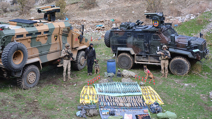 PKK'ya ağır darbe! 4 sığınakta ele geçirildi