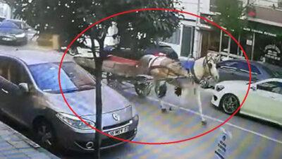 Bursa'da sahipsiz at arabasının trafikteki seyri kamerada