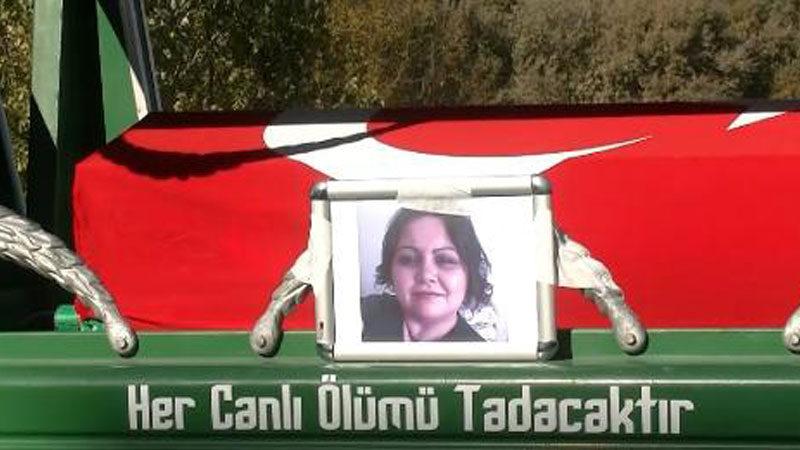Bursa'da virüse yenik düşen Emine hemşireye son görev