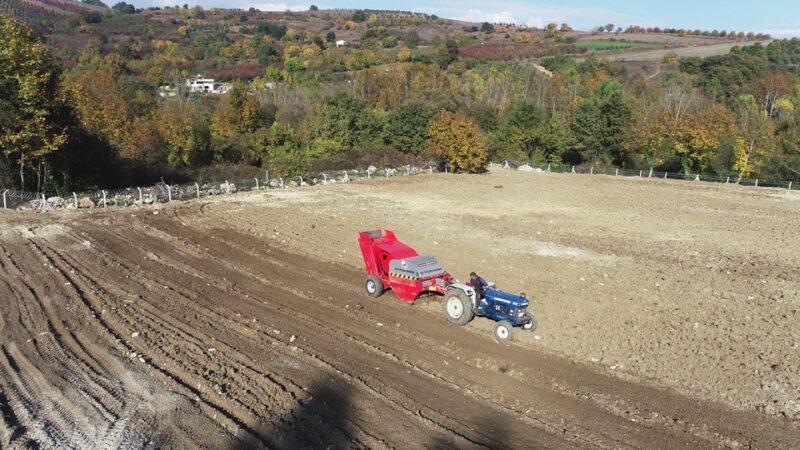 Taş toplama aracıyla 2500 dönüm arazi temizlendi