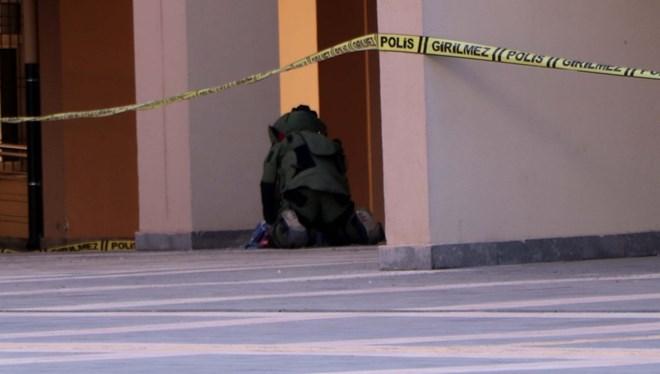 Gaziantep Valiliği önünde bomba paniği