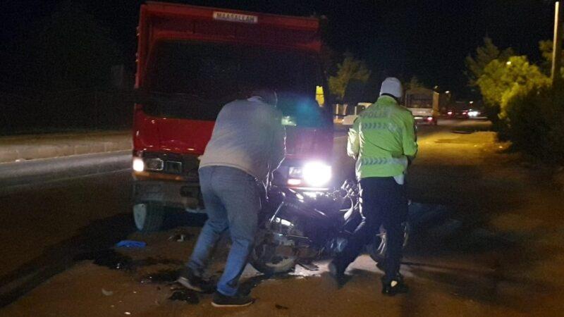 Bursa'da motosikletle kamyon çarpıştı: 1 ağır yaralı