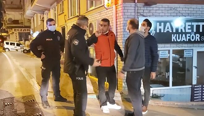 Bursa'da yasağa rağmen sokağa çıktı, gazetecileri tehdit etti