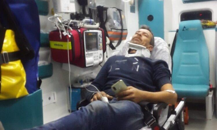 Bursa'da kontrolden çıkan minibüs önce bariyerlere çarptı ardından takla attı