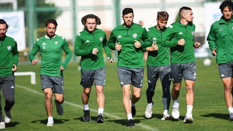 Bursaspor ara vermeden Karşıyaka maçı hazırlıklarına başladı