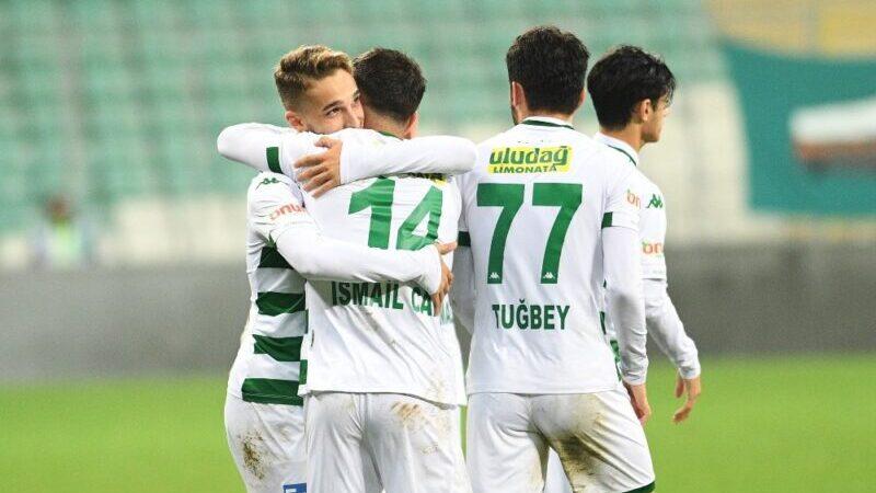 Bursaspor 10 resmi maçta da gol attı