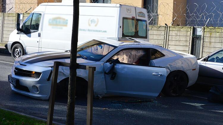 Enes Batur kaza yaptı! Lüks aracı bu hale geldi…