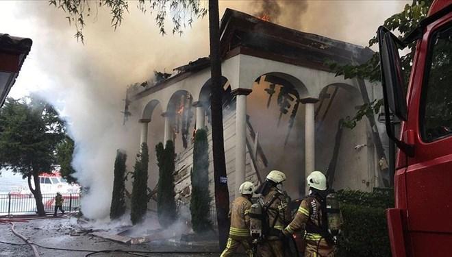 Tarihi camideki yangının nedeni belli oldu