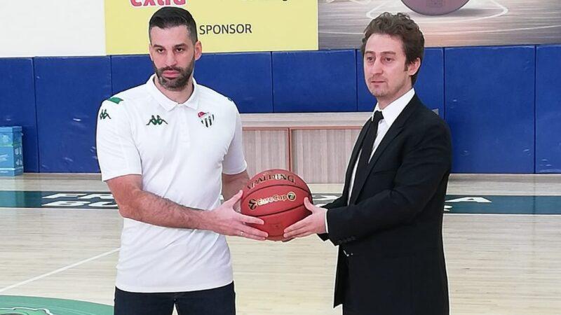 Bursaspor imzayı attırdı! İşte yeni antrenör…