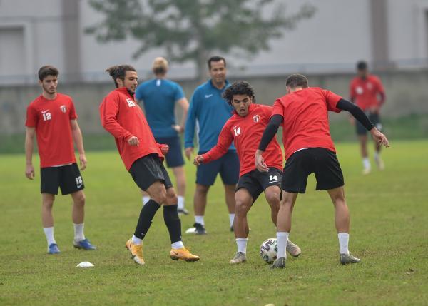 İnegölspor'dan flaş açıklama; 3 futbolcu ve bir antrenör…