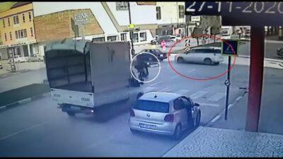 Bursa'da motosiklet ile otomobil böyle çarpıştı: 1 yaralı