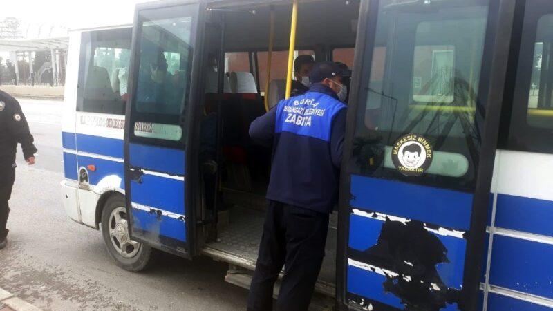 Osmangazi'de minibüslerde maske ve sosyal mesafe denetimi
