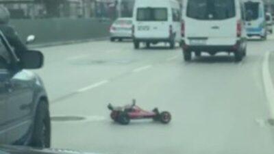 Bursa'da oyuncak yarış arabası Bursa caddelerini birbirine kattı
