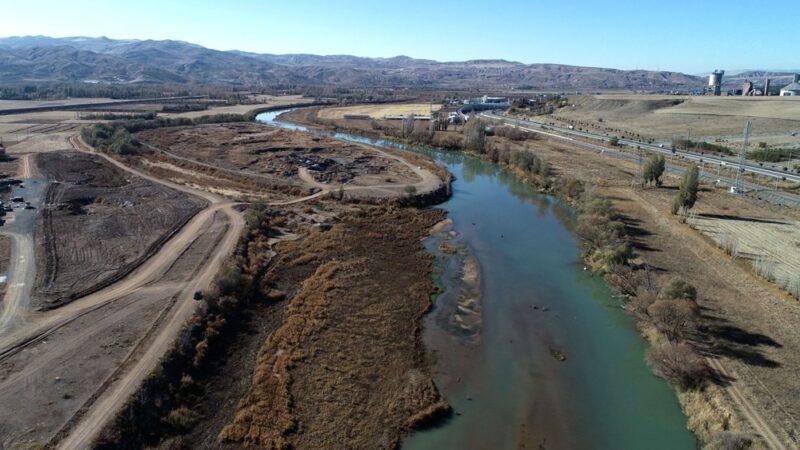 Türkiye'nin en uzun nehri alarm veriyor! Adacıklar oluştu