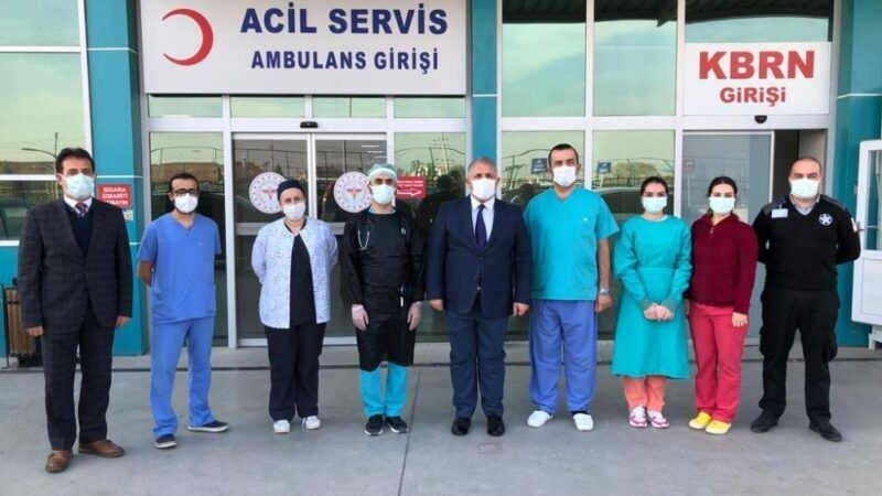 Yenişehir'de sağlık çalışanlarına moral ziyareti