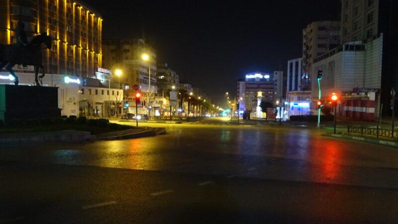 Bursa'da sokaklar sessizliğe büründü
