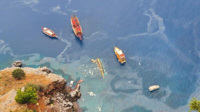 Antalya'da tur teknesi battı; 1 kişinin cansız…