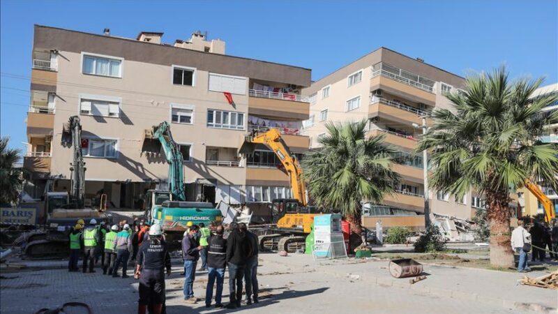 Barış Sitesi'nde yıkım çalışması başlatıldı