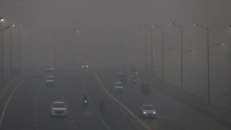 Yeni Delhi'de son 4 yılın en yoğun hava kirliliği