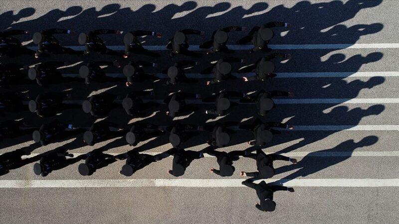 TSK'da FETÖ ile mücadele: 5 bin 587 personel ihraç edildi