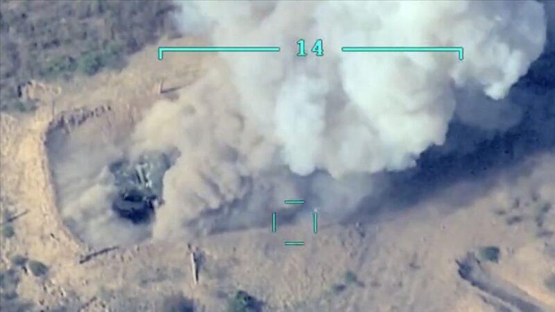 Azerbaycan Ermenistan'a ait askeri konvoyu imha etti