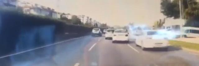 Bursa'da trafikte makas atan sürücünün ehliyetine el koyuldu