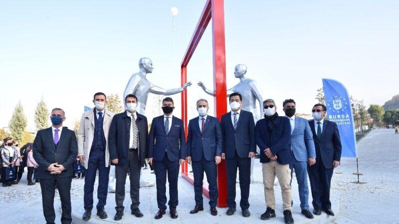 Bursa'ya Türkiye-Güney Kore kardeşlik anıtı