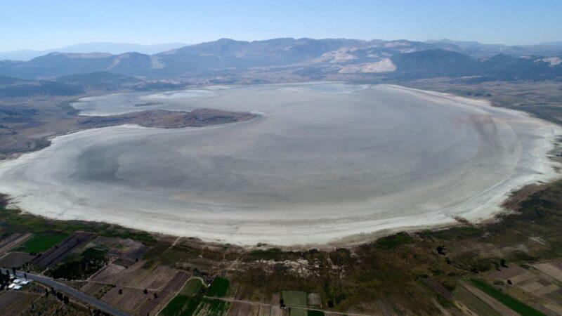 Marmara Denizi'nden daha büyük! 60 yılda 70'e yakın doğal göl kurudu