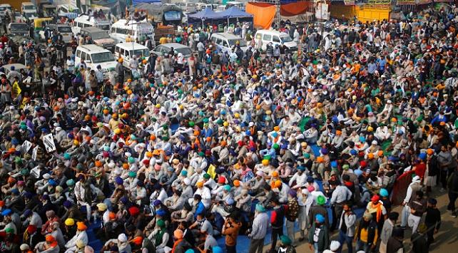 Hindistan'da çiftçilerin protestoları sürüyor